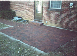 Brick Patio 53DD.jpg (31959 bytes)
