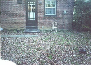 Brick Patio 53DD before.jpg (27470 bytes)