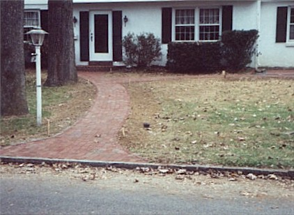 Brick Walk.jpg (46239 bytes)