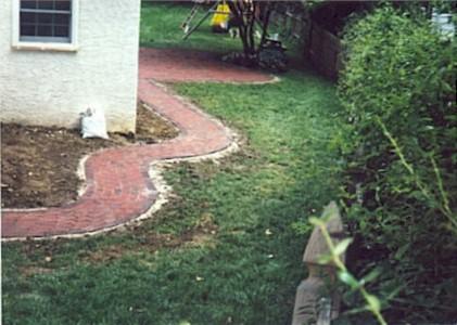 Brick Walk4.jpg (42104 bytes)