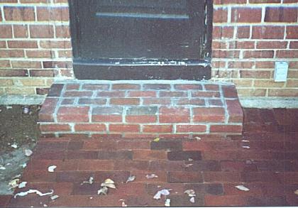 Brick steps3F.jpg (33138 bytes)