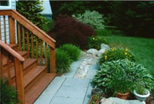 Informal Flagstone walk with landscaping - Ardmore, PA