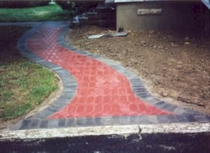 Paver Walk Red Dimond Run.jpg (37573 bytes)