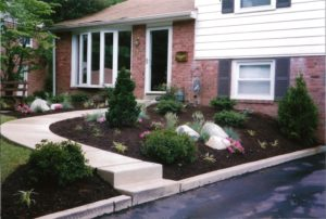 Springfield PA Landscape Bed with Boulders